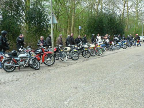 Efkes Weg Deest Brommerclub Foto